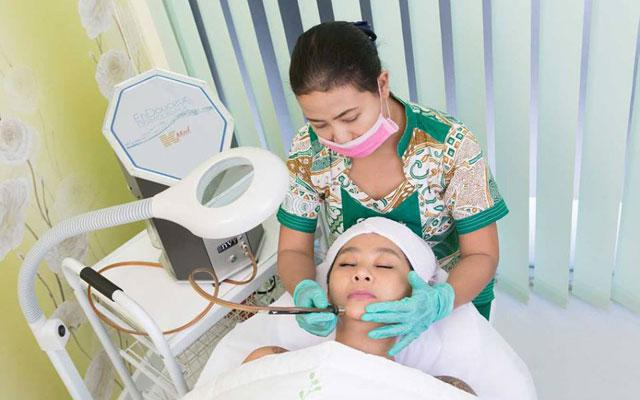 Diamond Dermal Infusion - Dr Made Ita Clinic, Bali