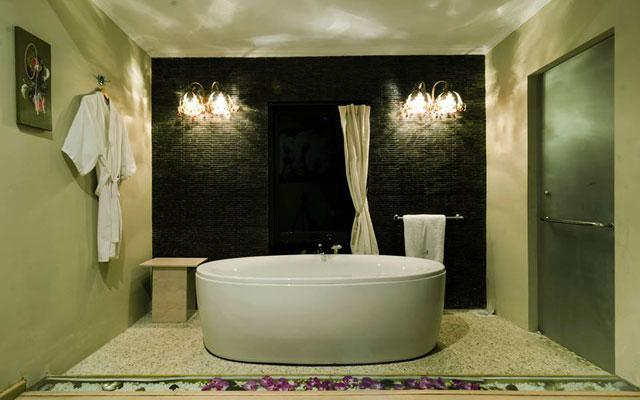 Spa Canggu - Docte Bali :  bath tube