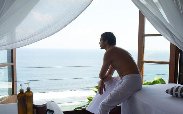 Spa with a view in Bali - Karma Spa at Karma Kandara - Massage facing Indian Ocean