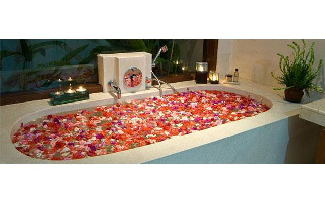 Spa Candidasa - Gita Spa : flower bath